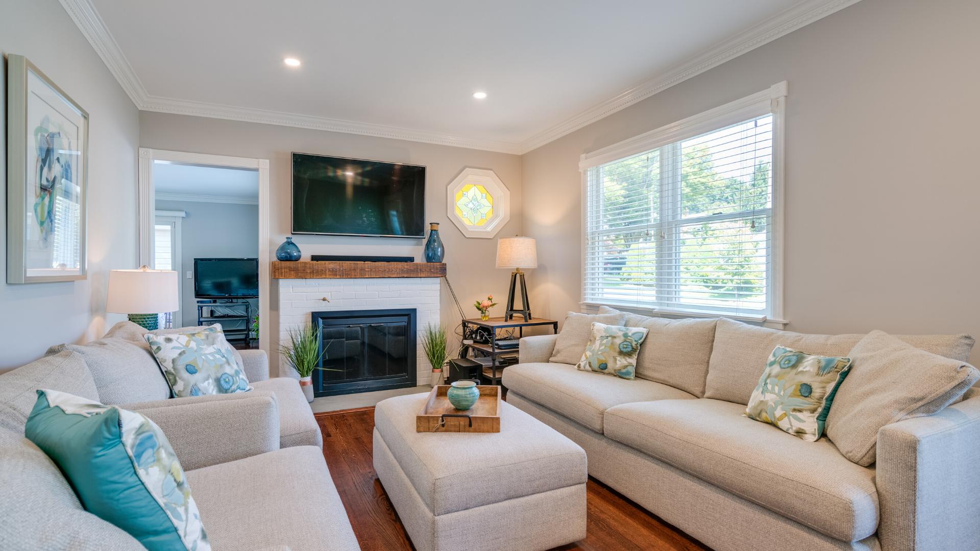 Katherine - Living Rm - Interior Design Renovation