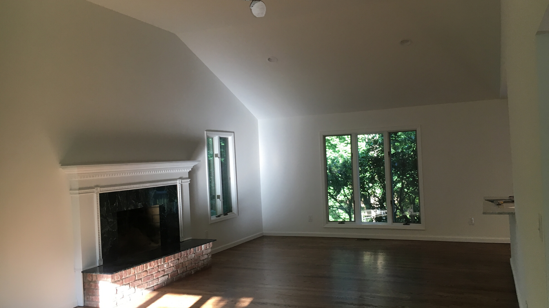 Lattingtown - Living Room - Vacant Staging