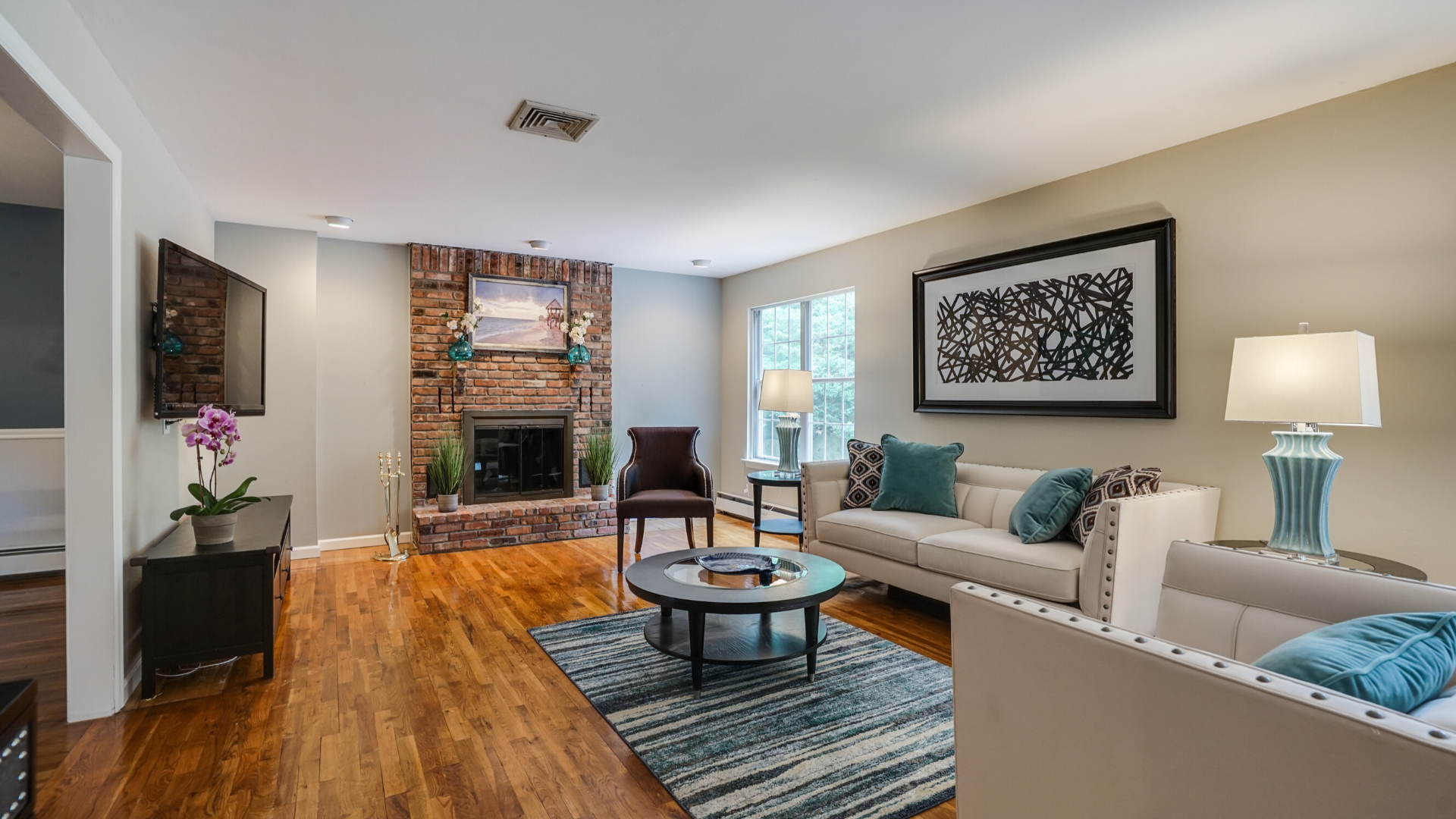 Seabreeze - Living Rm - Vacant Staging